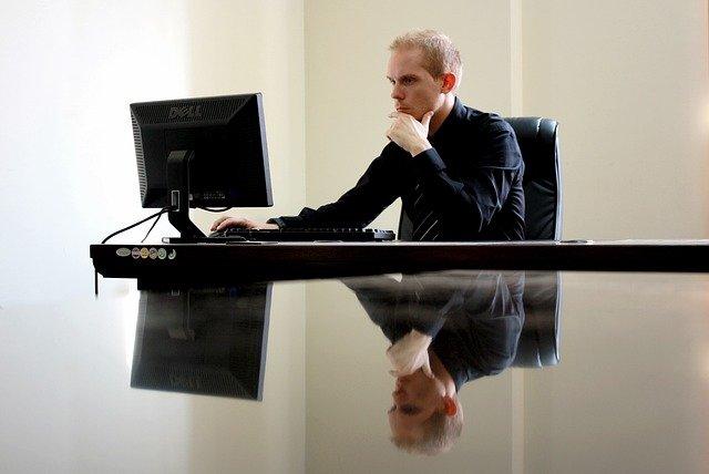 פרסום פסקי דין במנועי חיפוש